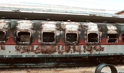La carrozza numero 5 bruciata